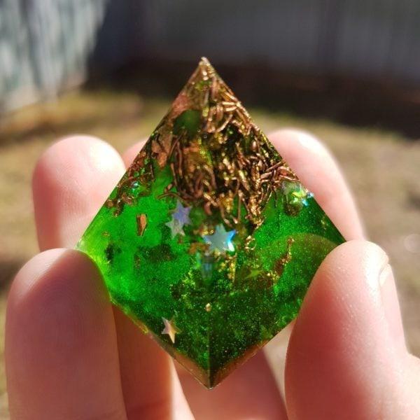 Deep Green Quartz and Copper Orgoneit Pyramid