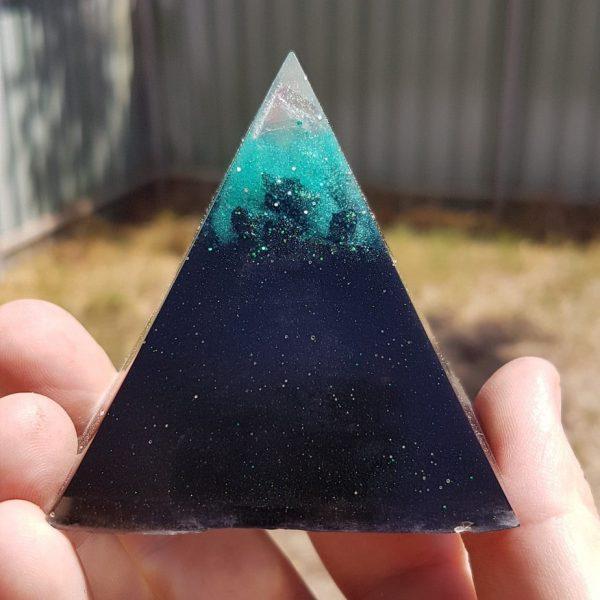Icey Peak Shungite OrgoneIt Orgonite Pyramid 6cm 1