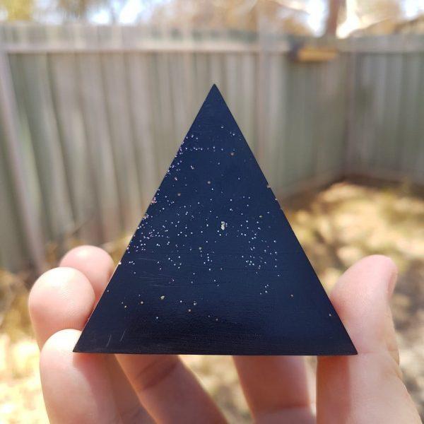 Shungite Passions OrgoneIt Orgonite Pyramid 6cm 1
