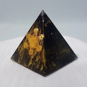 Black Magic Orgone Orgonite Pyramid 4cm