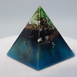 Smooth Sailing Orgone Orgonite Pyramid 4cm