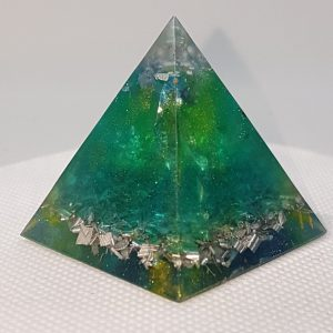 Underwater Ripples Orgone Orgonite Pyramid 4cm