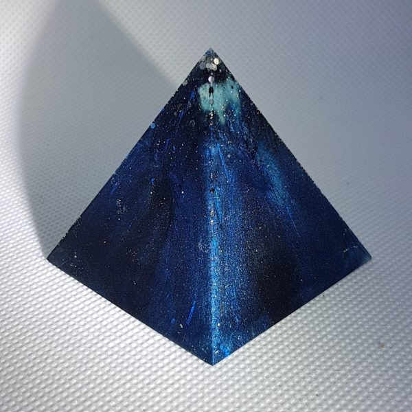 Deep Blue Ocean Orgone Orgonite Pyramid 5cm