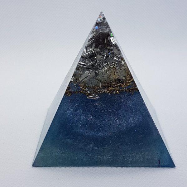 Blue Velvet Orgone Orgonite Pyramid 6cm 2