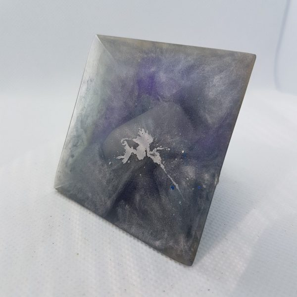Purple Power Orgone Orgonite Pyramid 6cm 3