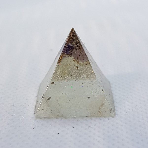 Clear Mind Orgonite Pyramid 2cm 1