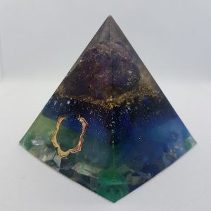 Peacock Bright Orgone Orgonite Pyramid 6cm