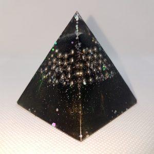Drama Star Orgone Orgonite Pyramid 6cm