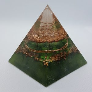 Floating Dream Orgone Orgonite Pyramid 6cm