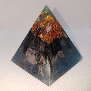 Reverse Precipice Orgone Orgonite Pyramid 6cm