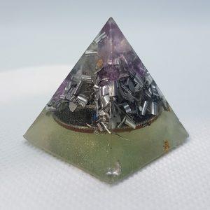 Levitate in your Mind Orgone Orgonite Pyramid 3cm