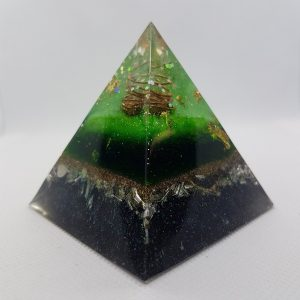 Moving Forward Orgone Orgonite Pyramid 6cm