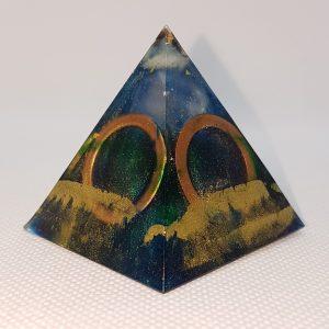 Circles Above Orgone Orgonite Pyramid 5cm