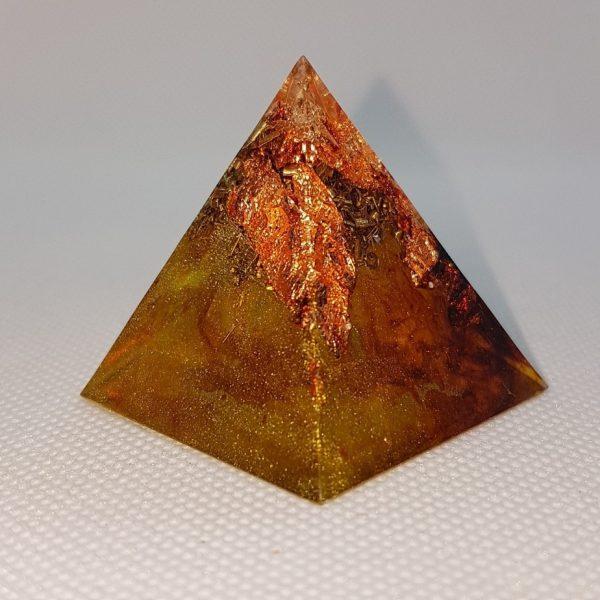 Rusted Mind Orgone Orgonite Pyramid 4cm 1