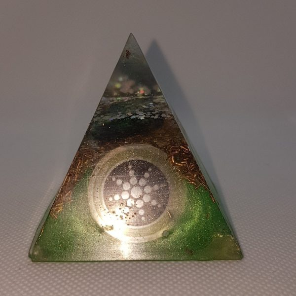 Two Worlds Collide Orgone Orgonite Pyramid 6cm 1