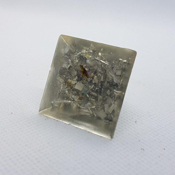 Moonbeam Orgoneit Orgonite Pyramid 3cm 2