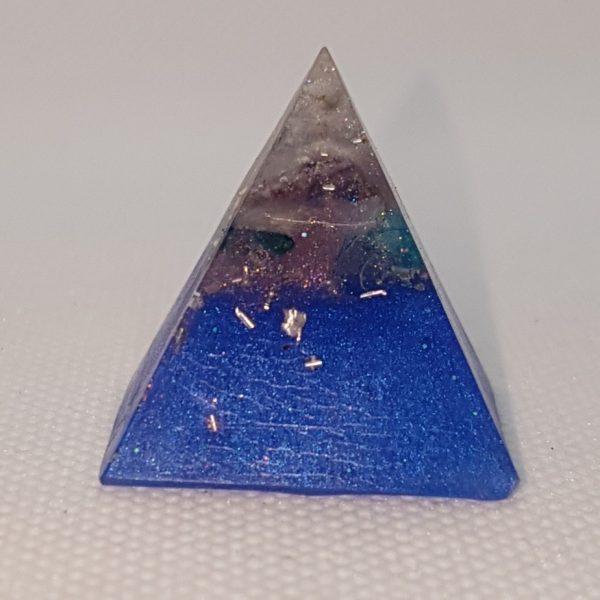 Beyond the Blues Orgoneit Orgonite Pyramid 3cm 1