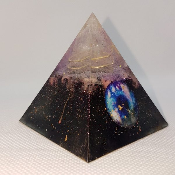 Sanhacat Orgone Orgonite Pyramid 6cm - Brass wrapped Quartz Point, on a layer of Howlite, Rose Quartz, and Moonstone, with Shungite and Tourmaline and hologram