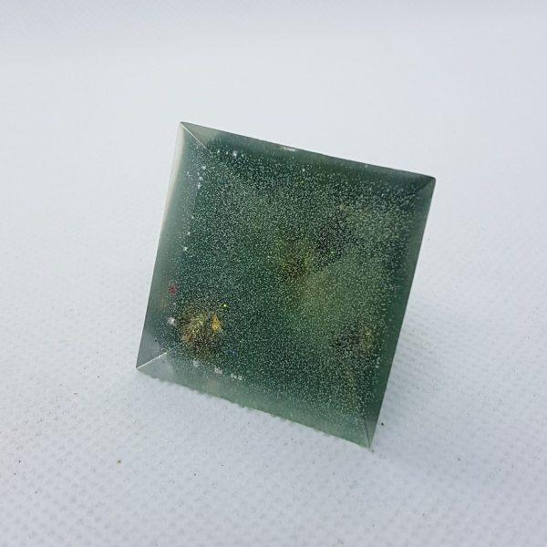 Crystal Gazing II Orgoneit Orgonite Pyramid 3cm 2