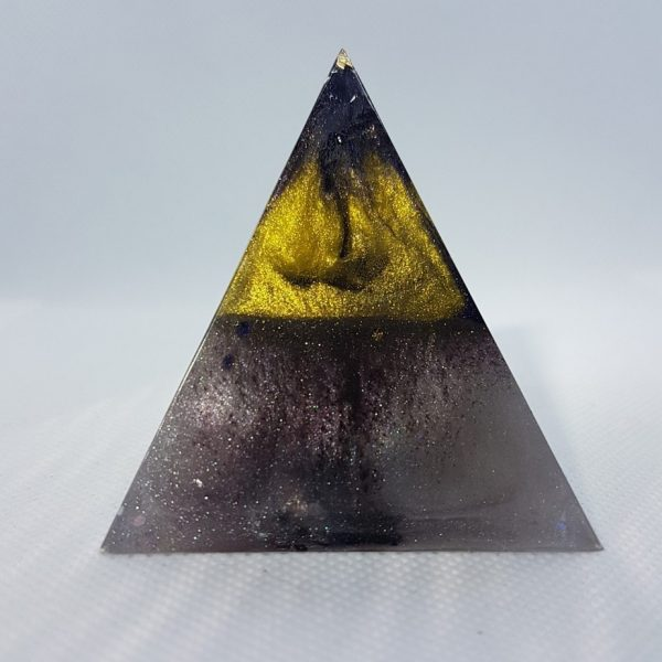 Zoned Out Orgone Orgonite Pyramid 6cm 1