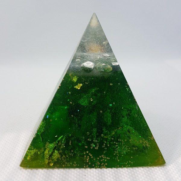 Green Rush Orgone Orgonite Pyramid 6cm 1