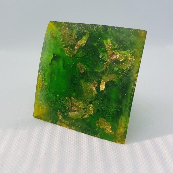 Green Rush Orgone Orgonite Pyramid 6cm 2