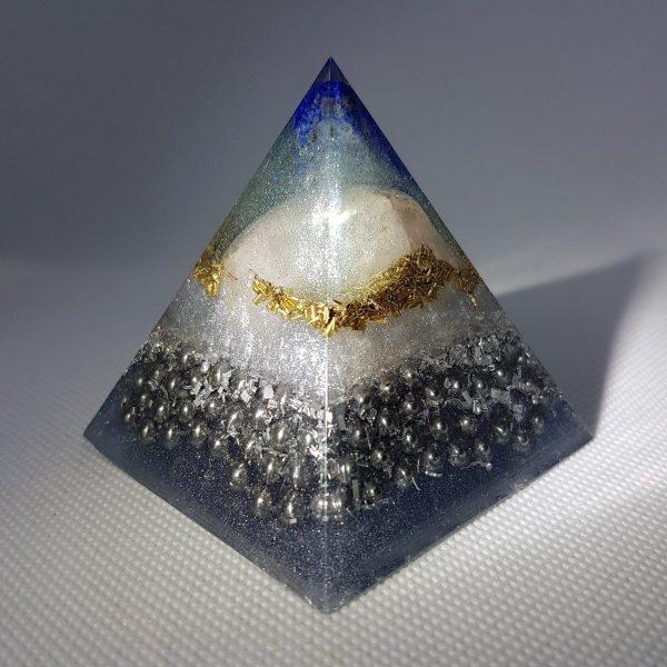 Unchained Brilliance Orgone Orgonite Pyramid 6cm 3
