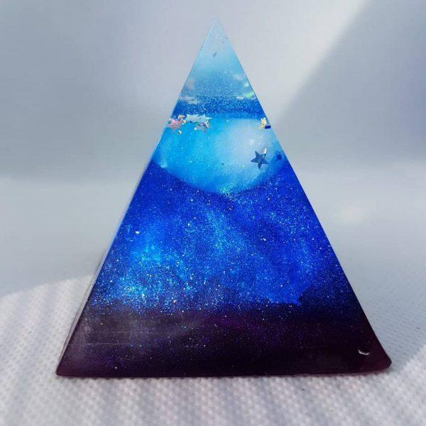 Hidden Strength Orgone Orgonite Pyramid 6cm 1