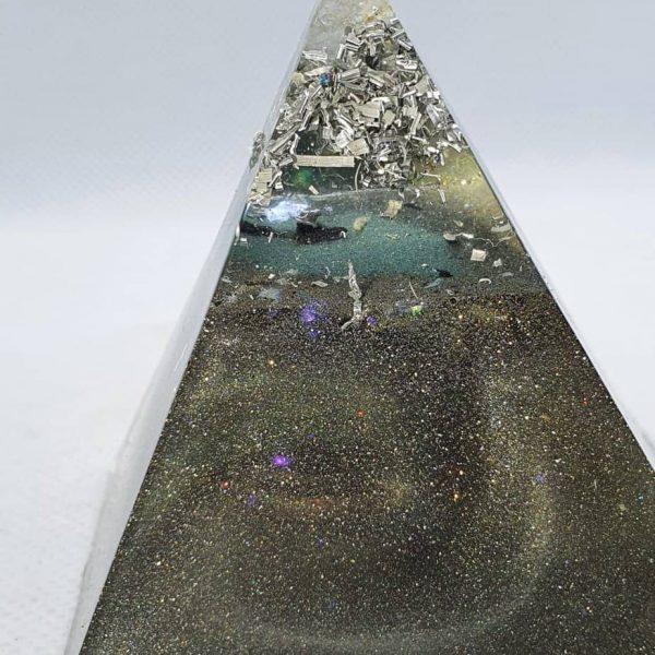 Full Circle Copper Orgonite Pyramid 6cm 2