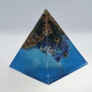 Deep Sea Change Orgone Orgonite Pyramid 6cm - Green Adventurine, Sodalite, Brass, helping with love and focus - awakening!