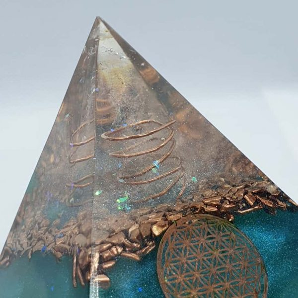 The Lion Sleeps No More Orgone Orgonite Pyramid 6cm 2