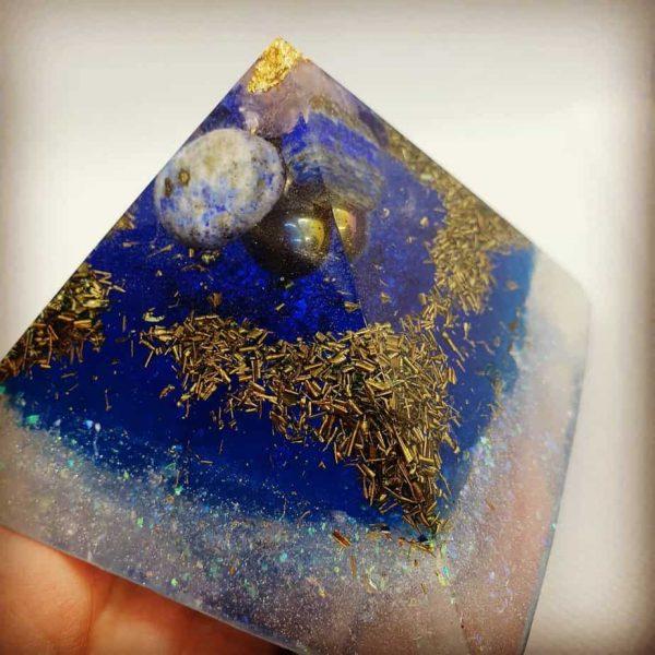Sea and Stars Lapis Lazuli Giza Pyramid 9.5cm 2