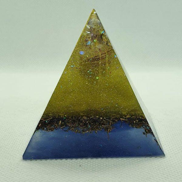 Twinkle in your Eye Orgone Orgonite Pyramid 6cm 1