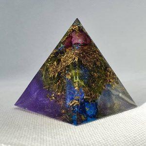 Gravity Lifts Lapis Lazuli Orgone Orgonite Pyramid 5cm - Lapis Lazuli, Peridot, Blue Quartz, Purple Quartz, Herkimer Diamonds, Brass and more in this unforgettable Orgonite