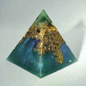 Challenge Broken Orgone Orgonite Pyramid 6cm - Radiating with a Fluorite, Moonstone, Green Adventurine, Labadorite, with Brass and Sacred Geometry Protection, I wonder what you will see?